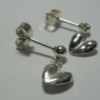 Heart_stud_earring_shop